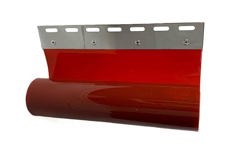 Czerwony pas spawalniczy z blachami mocującymi na wieszak grzebieniowy